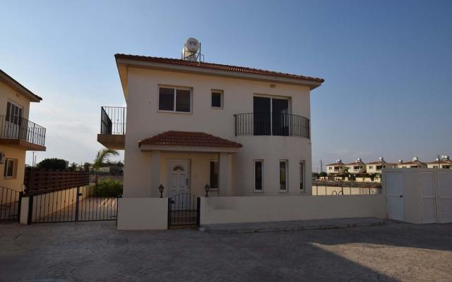 3 Bedroom house for sale in Xylofagou village