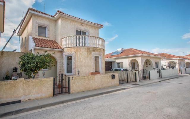 3 bed villa for sale in Xylofagou