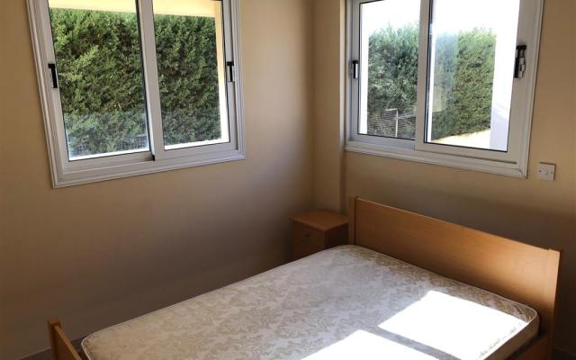 Bedroom in apartment for sale in Derynia