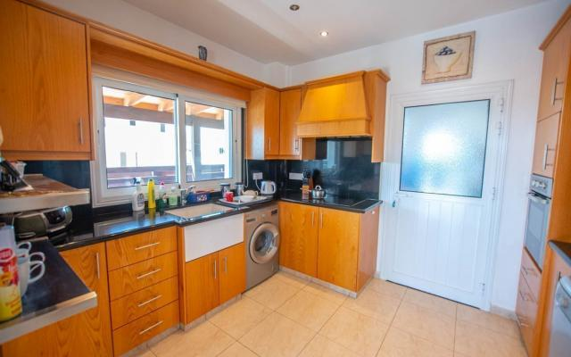 Kitchen in 3 bed house for sale