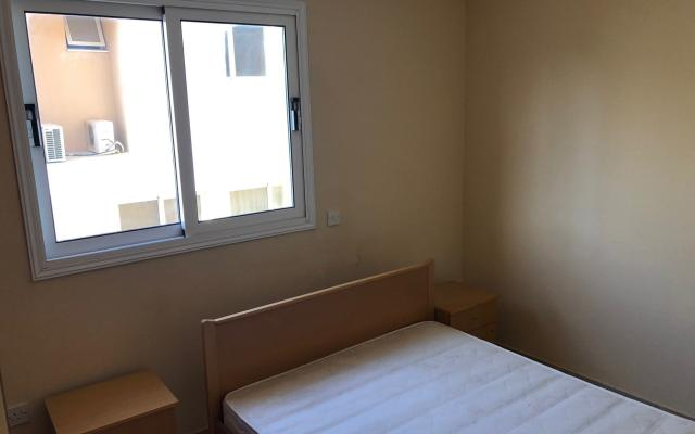 Bedroom in 2 bed apt for sale