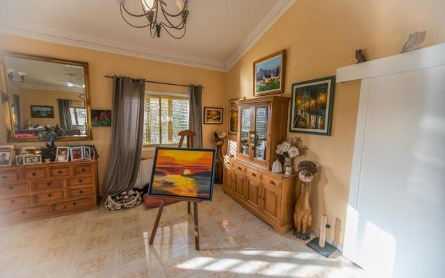 Living Area in property for sale in Achna