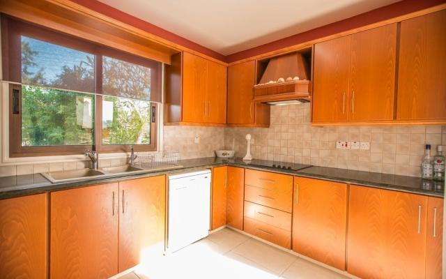 Kitchen in 3 bed house for sale in Kapparis