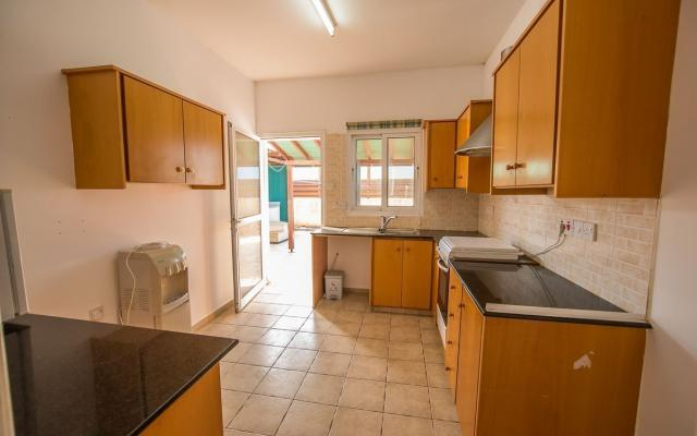 Kitchen in 3 bed house for sale in Xylofagou