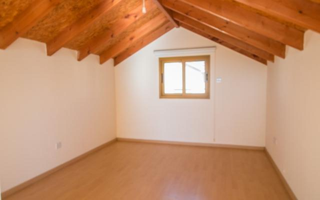 Bedroom in 4 bed house for sale in Ormidia
