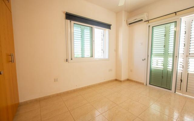 Bedroom in Vrysoulles villa for sale