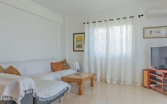 Sitting Area in property for sale in Sotira
