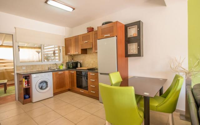 Kitchen in2 bed townhouse