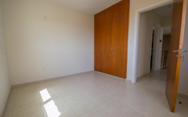 Bedroom in house for sale in Paralimni
