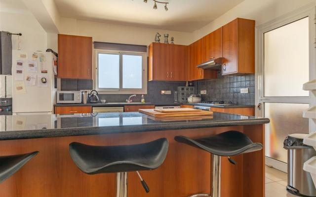 Kitchen in 3 bed villa for sale