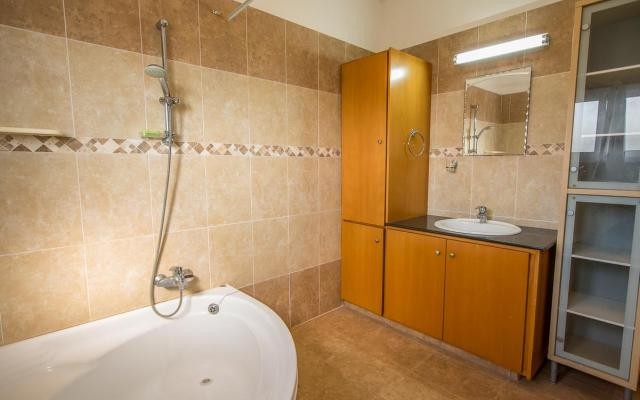 Large Bathroom in Xylofagou house