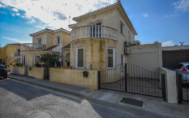 3 bed villa to buy in Xylofagou
