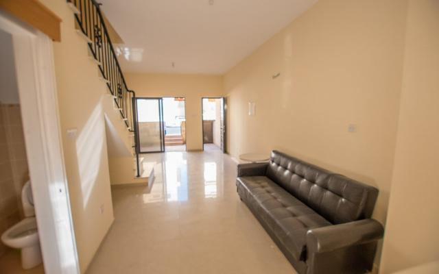 living area in townhouse for sale