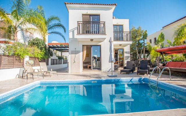 Villa with private pool for sale in Kapparis