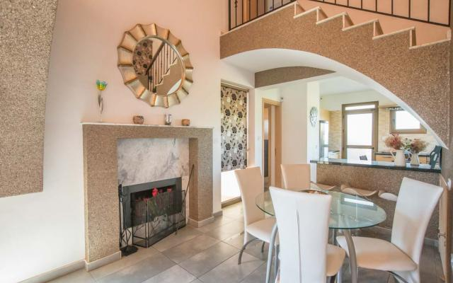Dining Area in Luxury property for sale