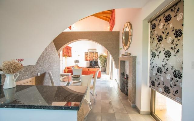 Living area in House for sale in Ayia Thekla