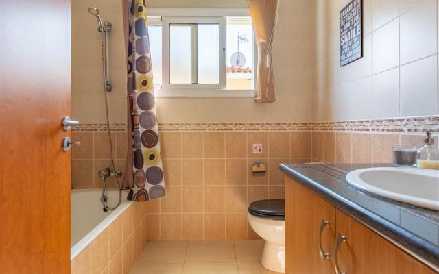 Bathroom in nice house for sale in Sotira