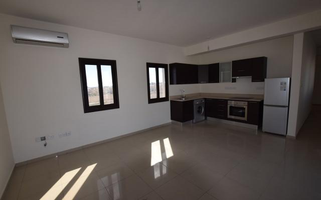 Large Living area in apartment for sale