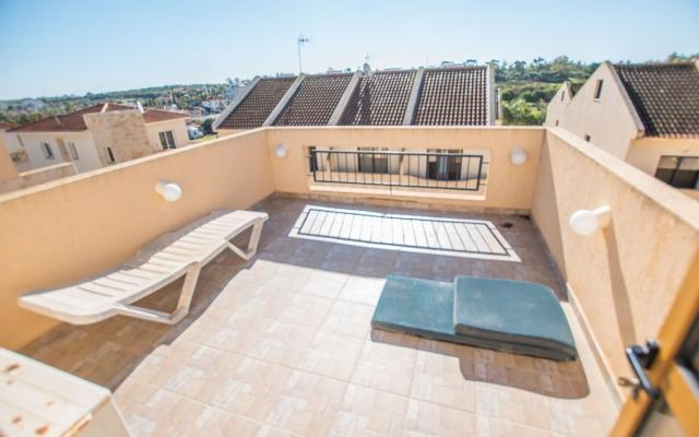 Roof garden in Ormidia house for sale