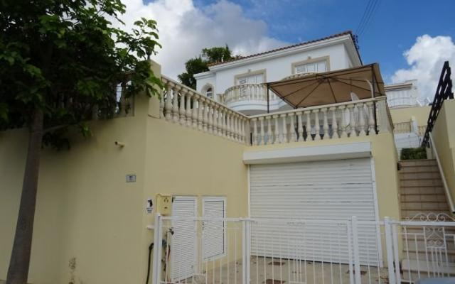 Garage in 4 bed villa for sale in Pegia