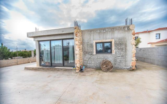 Large property for sale in Sotira