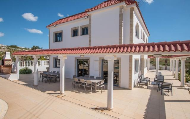 Large property for sale in Paralimni