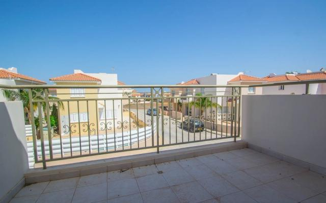 Balcony in detached house in Paralimni