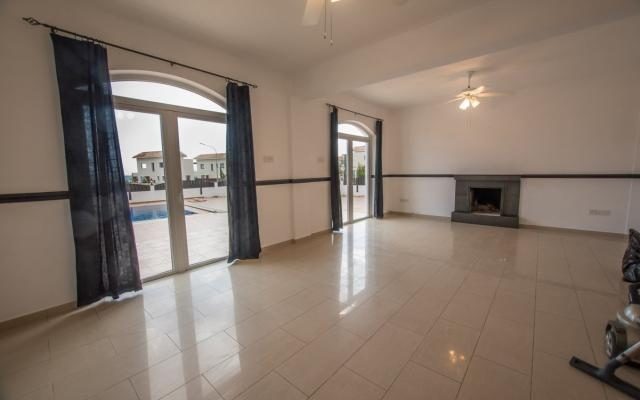 Living Area in 4 bed bungalow for sale