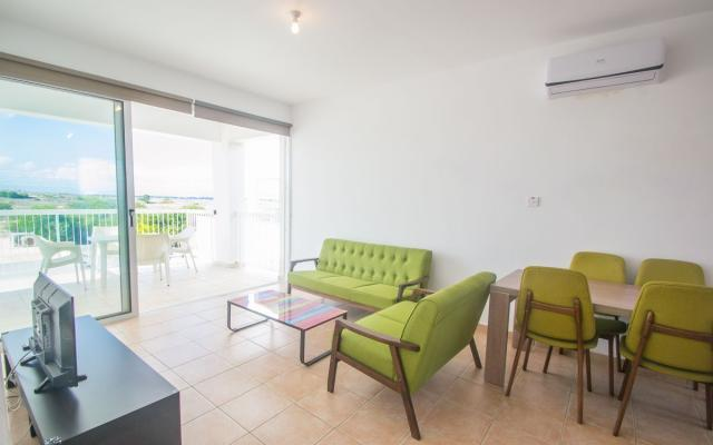 Sitting Area in 2 bed apt for sale in Paralimni