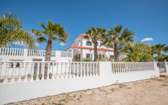 Villa in Kokkinos Gremos for sale