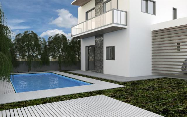 Villa with pool for sale in Frenaros