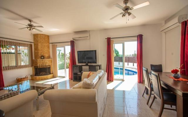 Living Area in 3 bed villa for sale in Vrysoulles