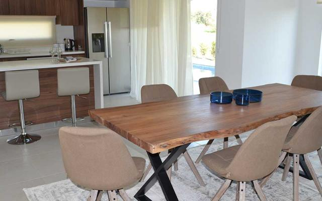 Dining area in open plan kitchen area
