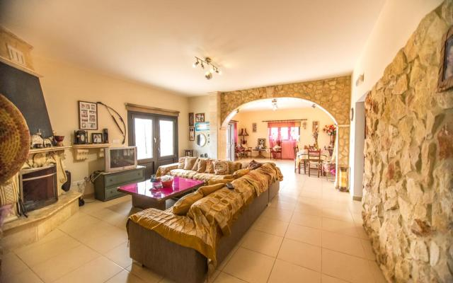 Sitting Area in 4 bed house in Sotira