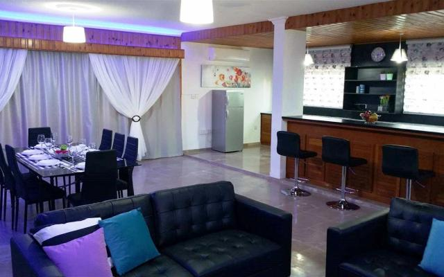 Nice living Area in 6 bedroomvilla for sale